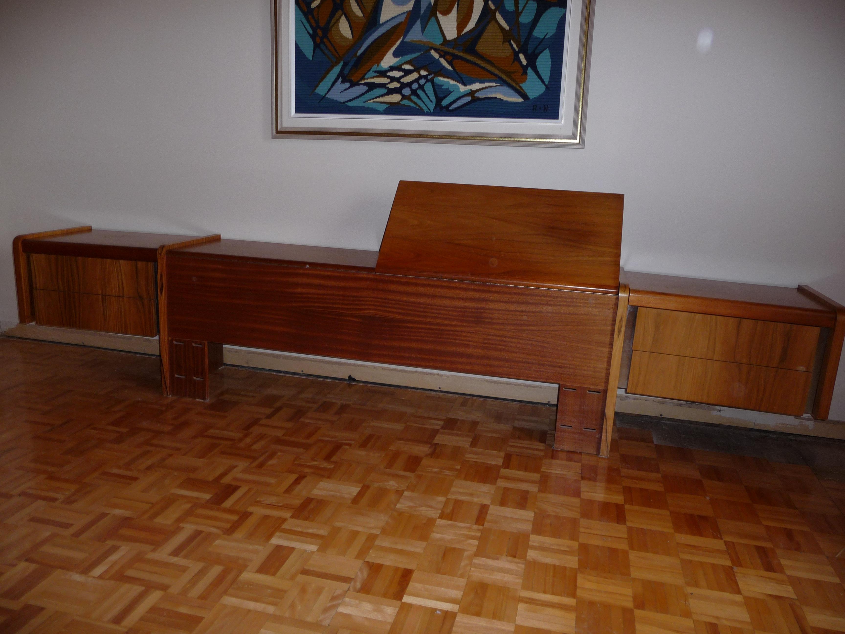 Chambre a coucher en bois de rose for Recherche chambre a coucher