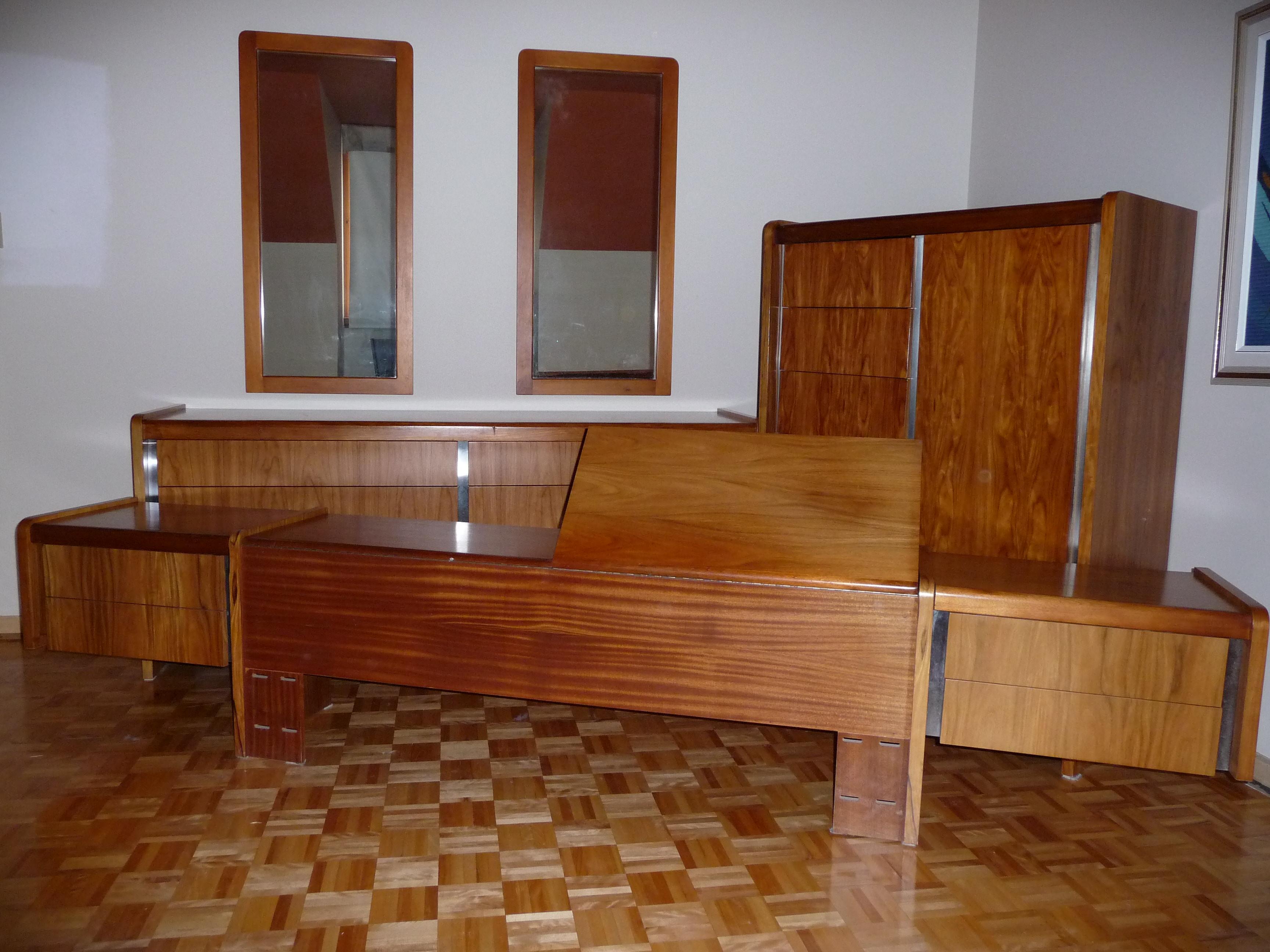set de chambre coucher en bois de rose vendre saint bruno de montarville annonces. Black Bedroom Furniture Sets. Home Design Ideas