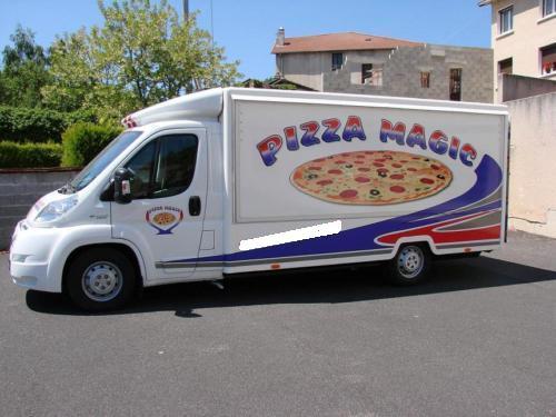 magnifique camion magasin pizza vendre paris annonces. Black Bedroom Furniture Sets. Home Design Ideas