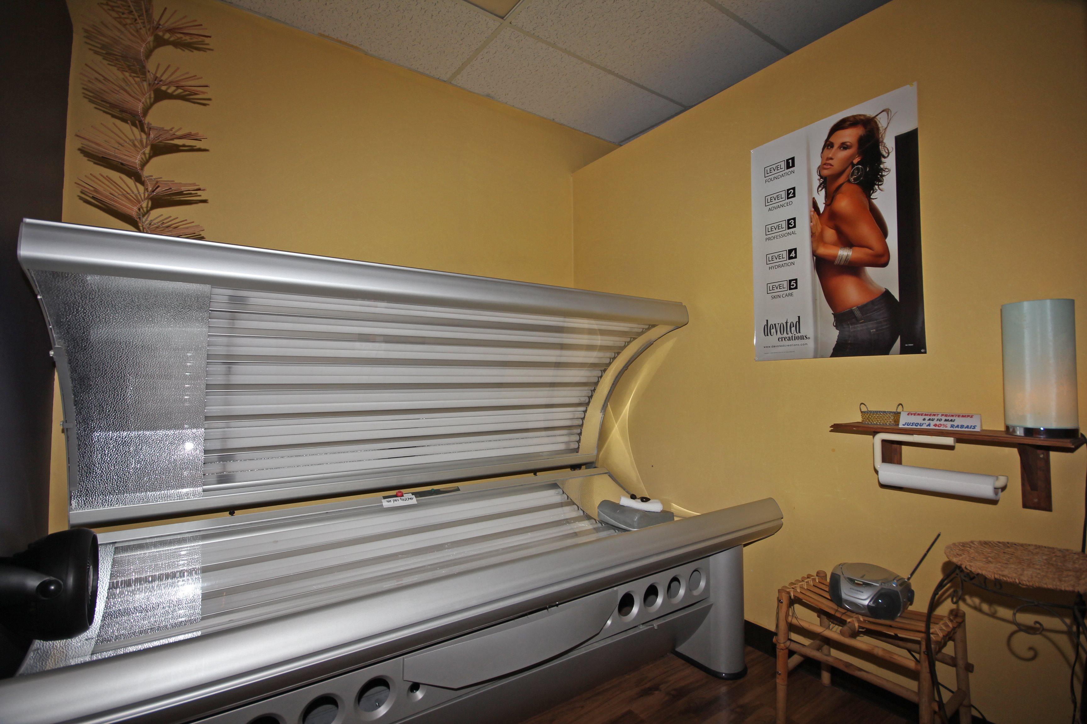 Salon de bronzage et esth tique vendre blainville for Salon de bronzage