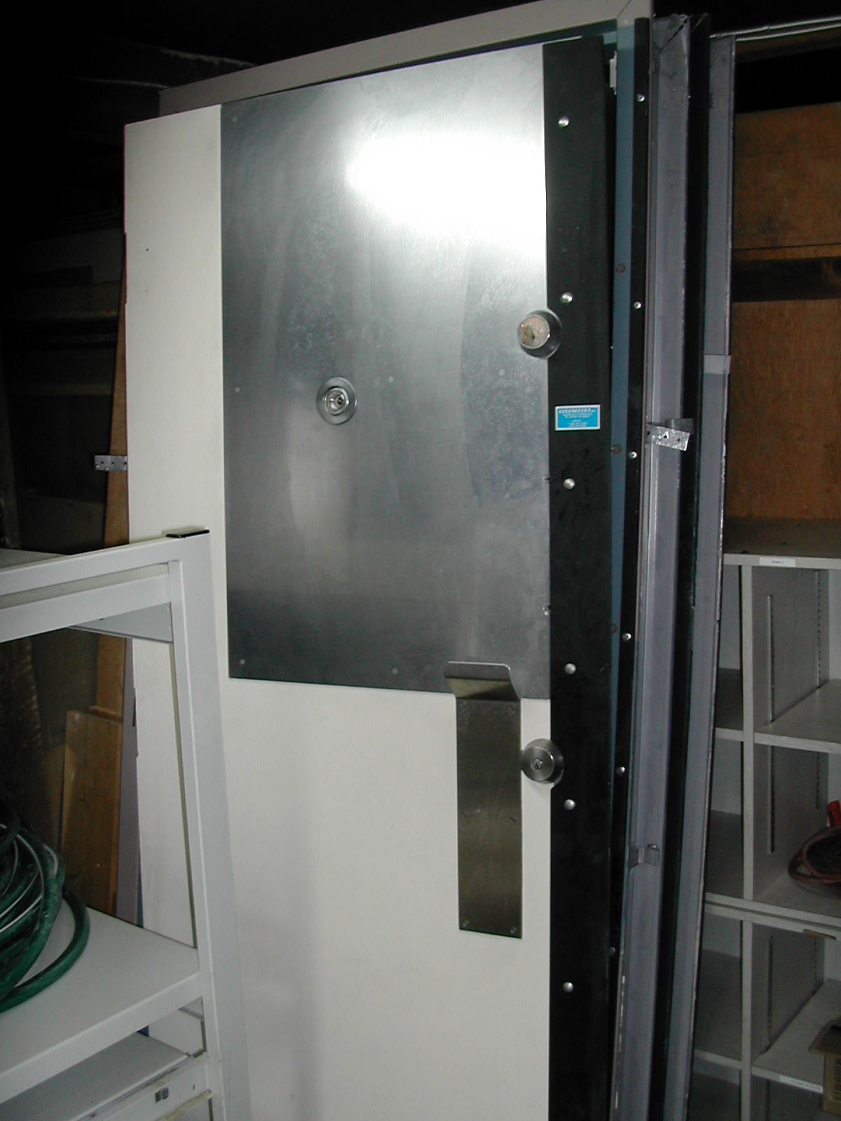 porte blind e de banque 32x80 vient avec 4 barils medeco il magique grand angle de tr s. Black Bedroom Furniture Sets. Home Design Ideas