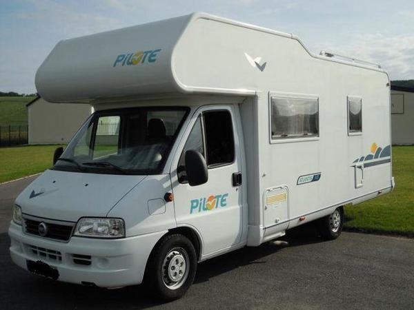 magnifique camping car fiat ducato 128 vendre lille annonces gratuites qu bec annonces. Black Bedroom Furniture Sets. Home Design Ideas